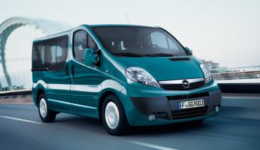 Opel_Vivaro_Passenger_Exterior_View_992x425_vi115_e06_512
